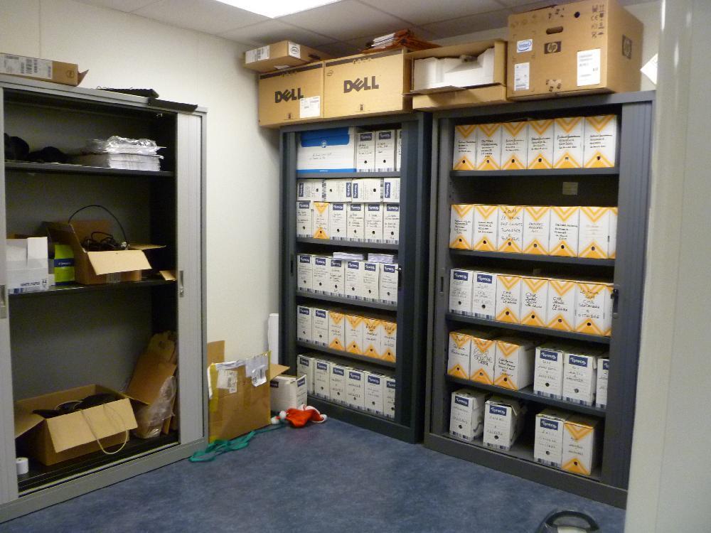 Vente aux ench res bon materiel et mobilier du bureau for Vente mobilier de bureau